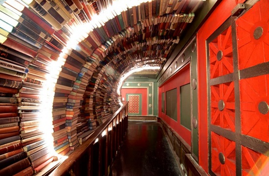 The Last Bookstore , Los Angeles